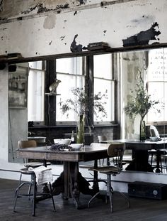 + #dining #tabele #mirrow #enlargement #imagination #industrial #concrete