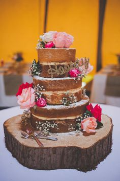 Naked Cake Sponge Layer Fruit Flowers Log DIY Summer Tipi Wedding http://www.eva-photography.com/