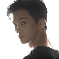 Mark Lee, Nct 127 Mark, Canadian Boys, Lee Min Hyung, Na Jaemin, Mode Streetwear, Kpop, K Idols, Boyfriend Material