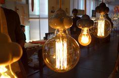 Las lamparas de Juan Ruiz-Rivas en el mercado central de diseño. Matadero Madrid