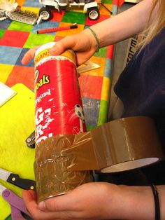 How to Make a Camera Obscure Out Of a Pringles Box #stepbystep