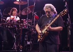 See Grateful Dead Jam on 'Sugaree' in 1989 Unreleased Video