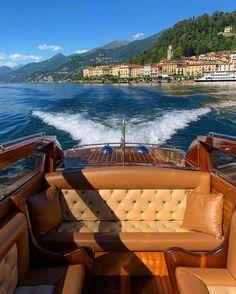 """2,438 """"Μου αρέσει!"""", 37 σχόλια - THE WORLD FROM A WINDOW (@theworldfromawindow) στο Instagram: """"Private touring around Lago Di Como with @lakecomo_boat 🚤🤩"""" Dream Life, Touring, Opera House, Boat, Windows, World, Building, Outdoor Decor, Travel"""