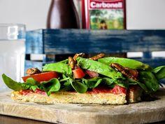 Una alternativa diferente y riquísima! La masa de esta Pizza Vegana y Sin Gluten…