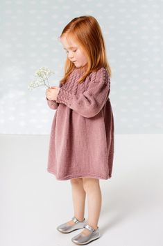 Crochet Baby Sweaters, Knitted Baby Clothes, Knitting For Kids, Baby Knitting, Knitted Owl, Knit Baby Dress, Baby Skirt, Little Girl Outfits, Knit Fashion