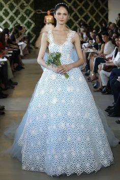 Pin for Later: The Most Gorgeous Wedding Dresses We've Ever Seen Were All Designed by Oscar de la Renta Oscar de la Renta Bridal Spring 2013