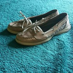 Sperry Top-Siders Adorable Sperry Top-Siders, used condition but have a lot of life left in them! Sperry Top-Sider Shoes Flats & Loafers