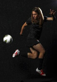 Heather O'Reilly Sport: Women's Soccer Hometown: East Brunswick, N.J. Current residence: New York, N.Y. Olympic experience: 2004 (Gold medal), 2008 (Gold medal).  DMN photographer Vernon Bryant photographed athletes at the Olympic Team Media Summit in Dallas.