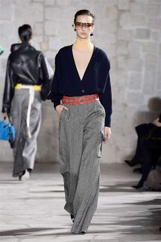 LOEWE AW2015 FACES Magazin http://www.faces.ch/runway