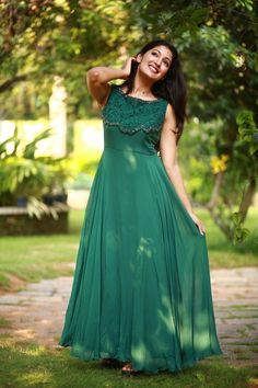 Best 11 Whatsapp on 9496803123 to customise handwork and cutwork sarees dresses bridal sarees lehengas gowns kids dresses etc – SkillOfKing. Long Gown Dress, Frock Dress, Cape Gown, Long Gowns, Dress Skirt, Indian Designer Outfits, Designer Gowns, Long Dress Design, Dress Designs