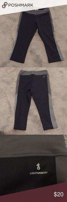 NEW BALANCE Lightning Dry Workout Capri Pants Like new! New Balance Pants Capris