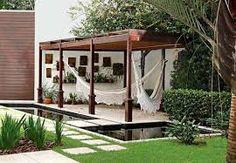 Resultado de imagem para jardins residenciais com pergolado