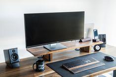A minimal walnut workspace Man Office, Home Office Setup, Home Office Space, Office Workspace, Home Office Design, Desk Setup, Ikea Office, Office Spaces, Bedroom Workspace