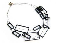 Perfecto Dragones, Unique Necklaces Geo Quadra Short Black