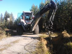 Kuusamon kaivu & kaapeli & Lännen 8600E  #Lannen #Lännen #backhoe #machine #municipal_works #infra #cable