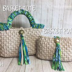 Crochet Art, Crochet Stitches, Crochet Patterns, Diy Tote Bag, Diy Purse, Crochet Baby Shoes, Crochet Gloves, Crochet Handbags, Crochet Purses
