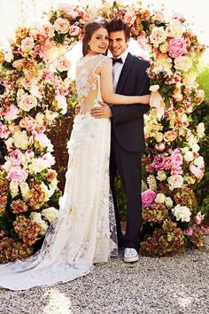 What a floral display of beauty! We are in L-O-V-E. would have to do this at a reception/ceremony space, hate to only look at it for an hour