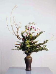 flower arrangement using cherry blossoms