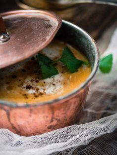 Intialainen garam masala-porkkana-bataattikeitto (V) – Viimeistä Murua Myöten Garam Masala, Cantaloupe, Salsa, Vegetarian Recipes, Food And Drink, Dinner, Fruit, Cooking, Health