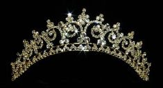 Image from http://www.chiccreation.com/images/bridal-tiara-1021.jpg.