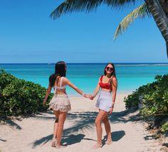 VSCO - Instagram @_loods   loods Cute Friend Pictures, Best Friend Pictures, Sister Beach Pictures, Friend Pics, Beach Photos, Beach Aesthetic, Summer Aesthetic, Ibiza, Summer Goals