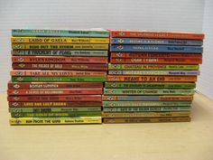 30 Vintage Harlequin Romances Red Pages Jane Arbor, Dorothy Cork, Lucy Gillen... (06/10/2016)