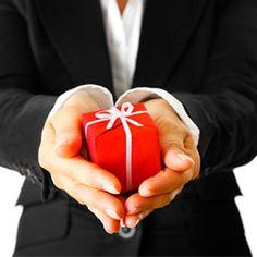 http://www.bax.fi/blogi/yritysilme-ja-oheistuotteet - Miltei kaikilla yrityksillä on jakaa asiakkailleen oheistuotteita. Näitä voivat olla esim. kynät, taskukalenterit, mukit ja kassit. - #yritysilme #brand #business #kassit