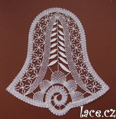 Kliknutím zavřít Bobbin Lace Patterns, Crochet Patterns, Doily Art, Lacemaking, Lace Heart, Lace Jewelry, Christmas Bells, Applique Quilts, Lace Design