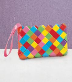 great carft for teens & tweens. Love this! Chain-link duct tape clutch :) @Diane Haan Lohmeyer Winiecki Brand