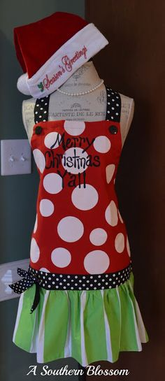 Christmas apron - another great idea for how to bring together stripes and dots. Easy to customize with saying too.
