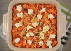 Voor degene die het nog niet wisten: wij houden van ovenschotels! Ze zijn vaak makkelijk te bereiden, goed van te voren te maken en gewoon heel lekker! We hebben daarom weer een lekker recept voor een ovenschotel met aardappel, prei, tomaat, Italiaanse kruiden en ricotta, een ovenschotel met een Italiaans tintje. De vleesliefhebbers zouden eventueel …