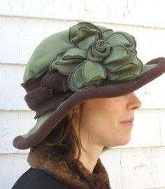 Mesdames Polar Fleece Hat de Style édouardien vert par hatjunkie