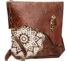 XL Boho Leather Messenger Bag with Crochet Lace & Antique Key - MADE to ORDER                                                                                                                                                                                 Más                                                                                                                                                                                 Más