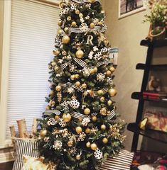 Black and white and gold Christmas tree.
