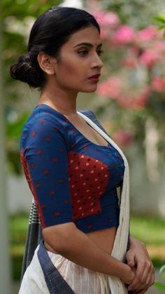 Saree Blouse Neck Designs, Kurta Designs, Blouse Patterns, Indian Bridal Photos, Saree Models, Desi Models, Aunty In Saree, Saree Photoshoot, Beauty Full Girl