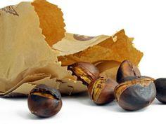 Jetzt Maronen genießern! EAT SMARTER sagt, was Maronen so gesund macht und wie man sie ganz leicht selber rösten kann.