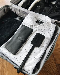 Our travel sets include a Travel Organizer and a Luggage Tag