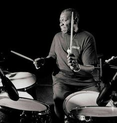 Drummerworld Page for Elvin Jones Steve Davis, Miles Davis, Jazz Artists, Jazz Musicians, Dope Music, Indie Music, Yusef Lateef, Hank Jones, A Love Supreme
