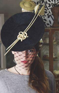 #tocado #headpiece #Cherubina #espina #oro #broche #velo #Lourdesmontes