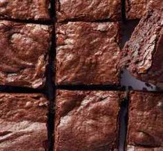 Drool over these best brownie recipes by Absolute Things Food. Serve the square fudge or cake with molten chocolate, cream or nuts over it. Classic Brownies Recipe, Best Brownie Recipe, Brownie Recipes, Chewy Brownies, Caramel Brownies, Best Brownies, Molten Chocolate, Flourless Chocolate Cakes, Chocolate Cream