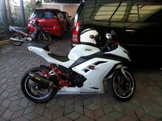 red and white ninja 300 Yamaha R3, Kawasaki Ninja 300, Street Bikes, Bike Life, Sport Bikes, Custom Bikes, Cool Bikes, Cars And Motorcycles, Adventure Time