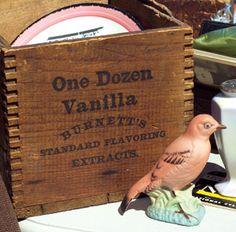 love this old wooden box. Vintage Crates, Old Crates, Vintage Wood, Wooden Crate Boxes, Love Box, Old Boxes, Pop Bottles, Tins, Primitive