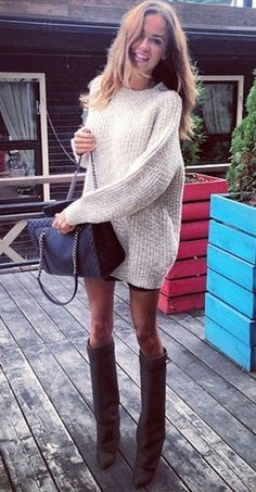 Baggy sweater dress w shorts and knee high boots Fashion Mode, Look Fashion, Womens Fashion, Fashion Clothes, Fall Fashion, Fall Winter Outfits, Autumn Winter Fashion, Looks Style, Style Me