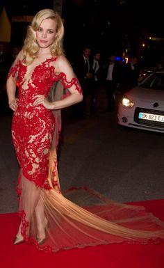 Rachel Mcadams Blonde, Rachel Mcadams Legs, Rachel Anne Mcadams, Marchesa, Beautiful Celebrities, Beautiful Actresses, Mc Adams, Red Fashion, Sexy Dresses