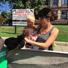 The chickens are a hit with Cambridge's younger residents! #parkingday #cambma by mak__wien September 18 2015 at 11:30AM