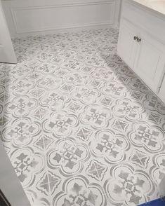 Tile Stencil Designs - Stencil your old tile floor or backsplash with Tile Stencils Budget friendly Faux Ceramic Tiles using the Santa Ana Tile Stencil from Cutting Edge Stencils Painting Ceramic Tiles, Painting Tile Floors, Ceramic Floor Tiles, Painted Floors, Porcelain Ceramic, White Porcelain, Paint Tiles, Ceramic Flooring, Painted Bathroom Floors