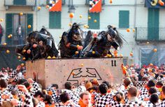 Battaglia delle Arance - Storico Carnevale di Ivrea - Provincia di Torino - Piemonte - Italia - Battle of the Oranges - Historic Carnival of Ivrea - Province of Turin - Piedmont - Italy