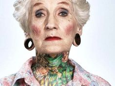 Las historias de los abuelos tatuados son entrañables | ¿Por qué nos fascinan tanto los viejos con tatuajes? Aquí un posible motivo | PlayGr...
