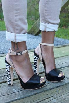 Chaussures canon je vous la conseille.