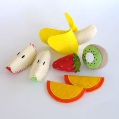 Felt Food Fruit - PDF Pattern by GulfCoastCottagePDF on Etsy https://www.etsy.com/listing/62525823/felt-food-fruit-pdf-pattern